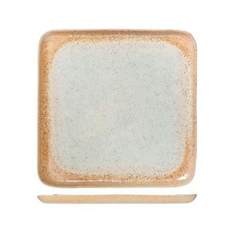 Тарелка (8395270)Посуда<br>ROOMERS – это особенная коллекция, воплощение  самого лучшего, модного и новаторского в мире посуды и стильных аксессуаров.<br><br>Интерьерные решения от ROOMERS в буквальном смысле не имеют границ. Все коллекции посуды и аксессуаров отбираются по всему миру – в последних коллекциях знаменитых дизайнеров и культовых брендов, среди искусных работ hand-made мастеров Европы и Юго-Восточной Азии во время большого и увлекательного путешествия, организованного именно с этой целью.<br><br>Вся коллекция посуды о...<br><br>stock: 28<br>Материал: каменная керамика<br>Цвет: Beige<br>Диаметр: 27