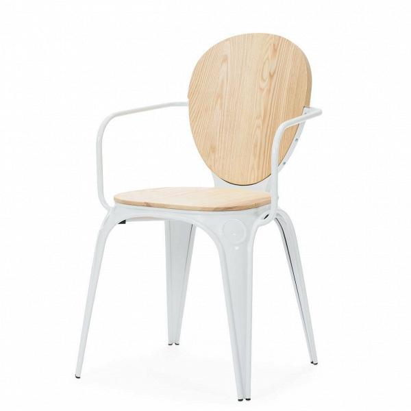 Стул LouixИнтерьерные<br>Дизайнерский стул Louix (Луикс) из фанеры с подлокотниками от ().<br><br> Дизайнер Александр Аразола виртуозно соединил практичность и эстетику. Его творения неВпросто стильные, они имеют свой характер, свое настроение. Легкость и простота присутствуют и в этомВстуле.<br><br><br> Светлый и воздушный, прочный и надежный, стул Louix спроектирован в чистом французском стиле, на стыке индустриальной техники, популярной воВФранции в 20-х годах ХХВвека, и классических мотивов, берущих н...<br><br>stock: 12<br>Высота: 83,5<br>Высота сиденья: 46<br>Ширина: 60<br>Глубина: 52<br>Цвет спинки: Светло-коричневый<br>Материал спинки: Фанера, шпон дуба<br>Тип материала каркаса: Сталь<br>Материал сидения: Массив ивы<br>Цвет сидения: Светло-коричневый<br>Тип материала спинки: Дерево<br>Тип материала сидения: Дерево<br>Цвет каркаса: Белый<br>Дизайнер: Alexandre Arazola