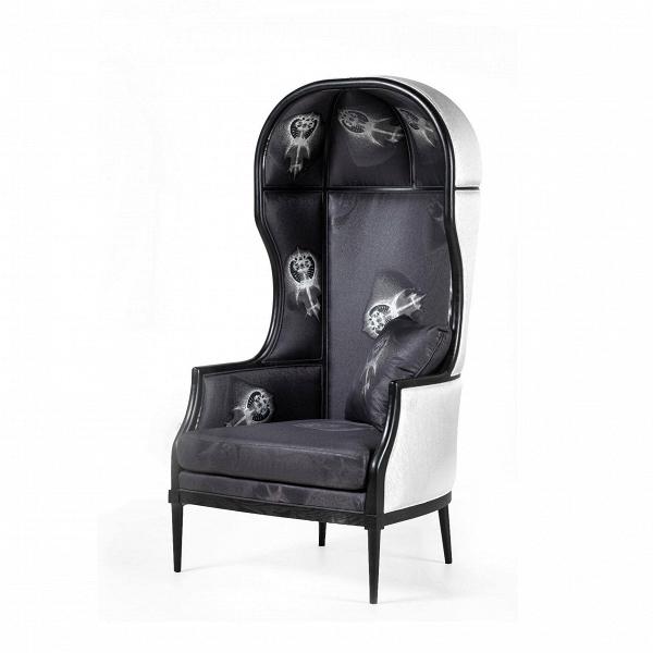 Кресло Laval Crown SingleИнтерьерные<br>Коллекция LAVAL отВStellar Works дает иное толкование традиционных французских стилей сВпоэтической простотой японской иВскандинавской эстетики.<br><br><br> Коллекция LAVAL отражает чувство совершенства иВизящного качества, объединенного сВсамым высоким вниманием кВдеталям.<br><br>stock: 0<br>Высота: 146,4<br>Ширина: 74<br>Глубина: 79,5<br>Материал каркаса: Массив ясеня<br>Цвет обивки дополнительный: Черный<br>Тип материала каркаса: Дерево<br>Тип материала обивки: Ткань<br>Цвет обивки: Серебро<br>Цвет каркаса: Черный