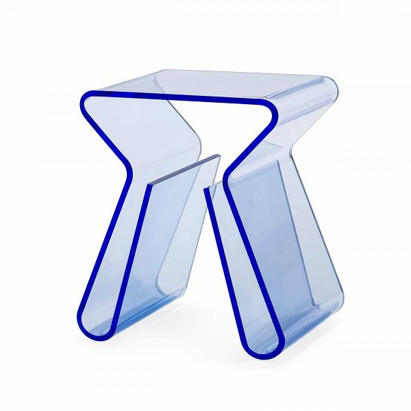 Кофейный стол MaginoКофейные столики<br>Дизайнерский минималистичный стильный стол Magino (Маджино) из акрила от Cosmo (Космо).<br><br><br> Прозрачный столик от ньюйоркца Карима Рашида, всемирно известного промышленного дизайнера и декоратора, изобретателя стиля поп-люкс и адепта ярких красок и синтетических материалов, можно легко представить на роскошных виллах в Майами, городских квартирах в духе минимализма или модных нью-йоркских лофтах, ведь кофейный стол Magino — отличная альтернатива массивным и неповоротливым деревянным стола...<br><br>stock: 6<br>Высота: 43<br>Ширина: 29<br>Глубина: 38,5<br>Тип материала каркаса: Акрил<br>Цвет каркаса: Голубой<br>Дизайнер: Karim Rashid
