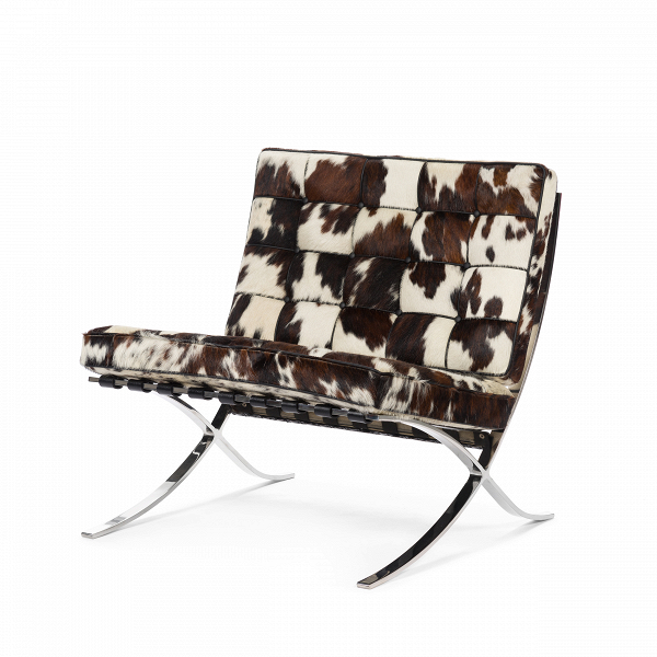 Кресло Barcelona 3Интерьерные<br>Дизайнерское широкое бело-коричневое кресло Barcelona 3 (Барселона 3) с обивкой из шкуры пони от Cosmo (Космо).<br><br><br> Как так могло получиться, что кресло, созданное 80 лет назад, до сих пор остается для современной мебели иконой стиля? Кресло Barcelona 3<br>разрабатывалось для испанской королевской семьи, однако не оказалось востребованным, но нашло своего потребителя уже в новейшее время.<br><br><br> Дизайн кресла был результатом сотрудничества Лили Рейх и Людвига Миса ван дер Роэ. В 1960-е го...<br><br>stock: 0<br>Высота: 80<br>Высота сиденья: 45<br>Ширина: 76<br>Глубина: 77<br>Материал обивки: Шкура пони<br>Цвет обивки дополнительный: Белый<br>Тип материала каркаса: Сталь нержавеющя<br>Цвет обивки: Коричневый<br>Цвет каркаса: Хром<br>Дизайнер: Ludwig Mies van der Rohe