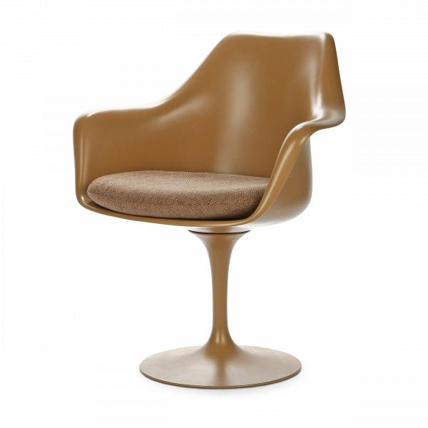 Cтул Tulip с подлокотниками и мягкой подушкойИнтерьерные<br>Дизайнерский мягкий стул Tulip (Тулип) с подлокотниками и мягкой подушкой из стекловолокна на глянцевой ножке с кожаным сиденьем от Cosmo (Космо).<br><br>     Свои основные идеи финн Ээро Сааринен черпал вВаскетичном подходе кВдизайну, воплощая ихВвВнаиболее эффективных конструкционных решениях. «Решение любой дизайнерской задачи нужно искать вВследующей, более крупной вещи,В— утверждал Сааринен. — Если загвоздка вВстуле, мыВдолжны смотреть наВто, как ...<br><br>stock: 0<br>Высота: 80,5<br>Высота сиденья: 47<br>Ширина: 66<br>Глубина: 58<br>Цвет ножек: Коричневый матовый<br>Тип материала каркаса: Стекловолокно<br>Материал сидения: Полиэстер<br>Цвет сидения: Бежево-коричневый<br>Тип материала сидения: Ткань<br>Коллекция ткани: D Fabric<br>Тип материала ножек: Алюминий<br>Цвет каркаса: Коричневый матовый<br>Дизайнер: Eero Saarinen