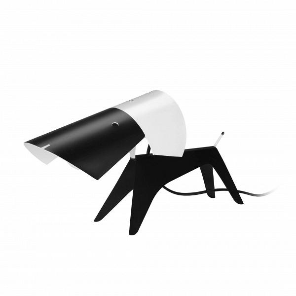 Настольный светильник DogНастольные<br>Очень милый и позитивный дизайн представленного здесь светильника был создан известным французским дизайнером Борисом Лакруа, который умел сочетать простые формы и линии и в результате получать совершенно необычное и оригинальное изделие. Настольный светильник Dog полностью оправдывает свое название — он напоминает маленького песика, выбежавшего вам навстречу. Светильник имеет небольшие размеры и легко поместится на тумбе или письменном столе.<br><br><br> Настольный светильник Dog изготовлен из...<br><br>stock: 0<br>Высота: 16<br>Ширина: 11<br>Длина: 31<br>Доп. цвет абажура: Черный<br>Материал абажура: Алюминий<br>Ламп в комплекте: Нет<br>Цвет абажура: Белый<br>Цвет провода: Черный