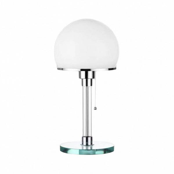 Настольный светильник WG24Настольные<br>Простой и стильный настольный светильник WG24 был создан выдающимся немецким дизайнером Вильгельмом Вагенфельдом, который умел создать одинаково красивые и качественные вещи как из серебра, так и из простого алюминия. Настольный светильник WG24 — это наиболее известная работа дизайнера, ставшая настоящей классикой в мире дизайнерского искусства. Светильник отличается четкой, рациональной формой, отсутствием излишних деталей Вдекора — строгая функциональность, подчеркнутая лаконичным ...<br><br>stock: 0<br>Высота: 39<br>Диаметр: 20<br>Количество ламп: 1<br>Материал абажура: Стекло<br>Материал арматуры: Металл<br>Ламп в комплекте: Нет<br>Цвет абажура: Белый матовый<br>Цвет арматуры: Хром