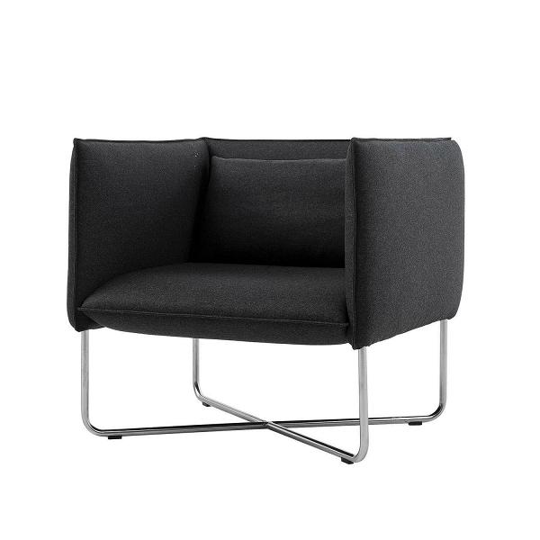 Кресло GrooveИнтерьерные<br>Дизайнерское прямоугольное кресло Groove (Грув) с тканевой обивкой на стальных ножках от Softline (Софтлайн).<br><br><br> Кресло Groove — красивое и смелое кресло с минималистским, но в то же время динамичным дизайном. Это результат сотрудничества между Флеммингом Буском и Стефаном Б.Херцогом, датским коллективом дизайнеров, известными своими наградами вВобласти дизайна мебели. Кресло было создано в 2008 году. <br> <br><br><br> Оригинальное кресло Groove от компании SoftLine — это выбор для активных...<br><br>stock: 0<br>Высота: 76<br>Высота сиденья: 40<br>Ширина: 80<br>Глубина: 75<br>Цвет ножек: Хром<br>Материал обивки: Шерсть, Полиамид<br>Коллекция ткани: Felt<br>Тип материала обивки: Ткань<br>Тип материала ножек: Сталь нержавеющая<br>Цвет обивки: Темно-серый<br>Дизайнер: Busk + Hertzog