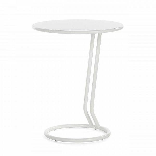 Кофейный стол BoggieКофейные столики<br>Дизайнерский кофейный стол Boggie может стать отличным украшением и дополнением к интерьеру в стиле минимализм, лофт, хай-тек и многих других. Этот столик отличается спокойным и в то же время оригинальным дизайном, который не перетягивает на себя акценты помещения, но привносит в него особый характер и стиль.<br><br><br> Вся конструкция данного изделия изготовлена из прочного высококачественного материала, благодаря чему столик прослужит вам долгие годы. Столик смотрится очень легко и ненавязч...<br><br>stock: 0<br>Высота: 56<br>Диаметр: 45<br>Тип материала каркаса: Металл<br>Цвет каркаса: Белый