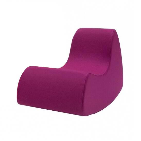 Кресло Grand Prix высота 68Интерьерные<br>Яркие сочные цвета и стильная лаконичная оболочка — интерьеры в подобном стиле сегодня совсем не редкость. Такая мебель не зря пользуется огромной популярностью, она функциональна, удобна и оставляет больше пространства для перемещения по комнате. Дизайнерское кресло Grand Prix высота 68 идеально соответствует этому направлению в современном дизайнерском искусстве.<br><br><br> Представленное кресло обладает всеми преимуществами современной стильной и комфортной мебели. Изделие изготовлено из п...<br><br>stock: 0<br>Высота: 68<br>Ширина: 61<br>Глубина: 102<br>Материал обивки: Шерсть, Полиамид<br>Коллекция ткани: Felt<br>Тип материала обивки: Ткань<br>Цвет обивки: Бордовый