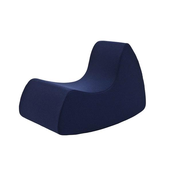 Кресло Grand Prix высота 68Интерьерные<br>Яркие сочные цвета и стильная лаконичная оболочка — интерьеры в подобном стиле сегодня совсем не редкость. Такая мебель не зря пользуется огромной популярностью, она функциональна, удобна и оставляет больше пространства для перемещения по комнате. Дизайнерское кресло Grand Prix высота 68 идеально соответствует этому направлению в современном дизайнерском искусстве.<br><br><br> Представленное кресло обладает всеми преимуществами современной стильной и комфортной мебели. Изделие изготовлено из п...<br><br>stock: 0<br>Высота: 68<br>Ширина: 61<br>Глубина: 102<br>Материал обивки: Шерсть, Полиамид<br>Коллекция ткани: Felt<br>Тип материала обивки: Ткань<br>Цвет обивки: Тёмно-синий