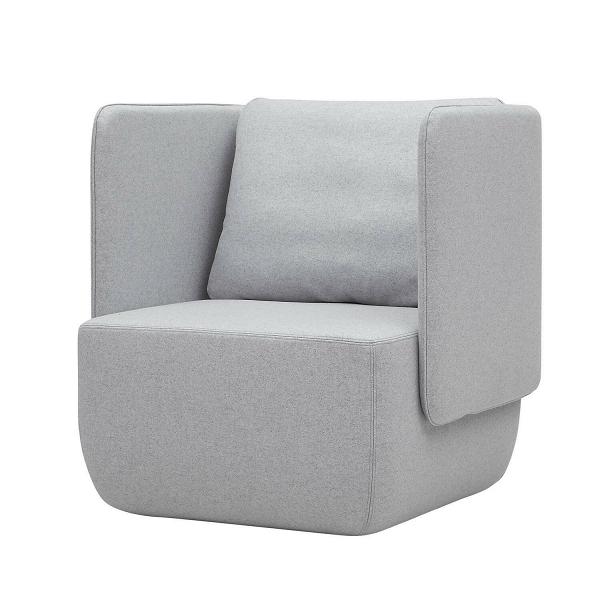 Кресло Opera высота 79Интерьерные<br>Кресло Opera высота 79 задумано дизайнером как удобное место для вашего отдыха, в котором можно расслабиться как физически, так и психологически. Этому способствуют высокие бортики-подлокотники изделия, закрывающие вас с трех сторон. Кроме того, кресло имеет удобную подушку, которая сделает ваш отдых комфортным и максимально удобным.<br><br><br> Кресло Opera высота 79 отличается не только стильным дизайном, но и высококачественными и прочными материалами. Обивка кресла сделана из экологически чи...<br><br>stock: 0<br>Высота: 79<br>Высота сиденья: 42<br>Ширина: 78<br>Глубина: 76<br>Цвет ножек: Черный<br>Материал обивки: Шерсть, Полиамид<br>Коллекция ткани: Felt<br>Тип материала обивки: Ткань<br>Цвет обивки: Светло-серый
