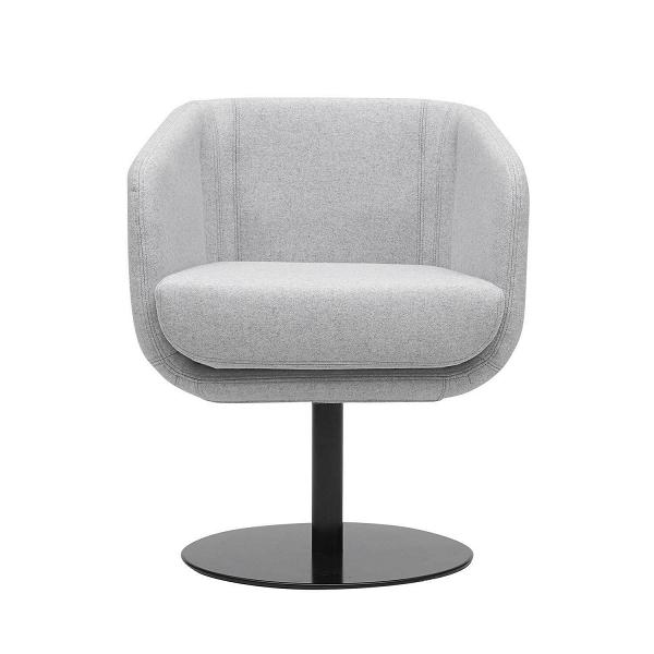 Кресло ShellyИнтерьерные<br>Дизайнерское кресло Shelly — это удобное и гармоничное изделие, которое будет отличным дополнением в домашнем или офисном кабинете. У Shelly удобное сиденье и невысокая спинка — идеально для работы, чтобы сохранять тонус и не уставать от долгого сидячего положения. Кресло имеет высокую ножку-опору, благодаря которой прочно стоит на месте, не шатается и не сдвигается без надобности.<br><br><br> Отдельно стоит отметить используемые дизайнерами материалы. Обивка изделия сделана из войлока — это э...<br><br>stock: 0<br>Высота: 74<br>Высота сиденья: 46<br>Ширина: 64<br>Глубина: 52<br>Цвет ножек: Черный<br>Механизмы: Поворотная функция<br>Материал обивки: Шерсть, Полиамид<br>Коллекция ткани: Felt<br>Тип материала обивки: Ткань<br>Тип материала ножек: Металл<br>Цвет обивки: Светло-серый