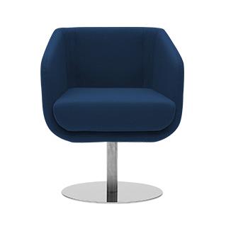 Кресло ShellyИнтерьерные<br>Дизайнерское кресло Shelly — это удобное и гармоничное изделие, которое будет отличным дополнением в домашнем или офисном кабинете. У Shelly удобное сиденье и невысокая спинка — идеально для работы, чтобы сохранять тонус и не уставать от долгого сидячего положения. Кресло имеет высокую ножку-опору, благодаря которой прочно стоит на месте, не шатается и не сдвигается без надобности.<br><br><br> Отдельно стоит отметить используемые дизайнерами материалы. Обивка изделия сделана из войлока — это э...<br><br>stock: 0<br>Высота: 74<br>Высота сиденья: 46<br>Ширина: 64<br>Глубина: 52<br>Цвет ножек: Хром<br>Механизмы: Поворотная функция<br>Материал обивки: Шерсть, Полиамид<br>Коллекция ткани: Felt<br>Тип материала обивки: Ткань<br>Тип материала ножек: Металл<br>Цвет обивки: Тёмно-синий