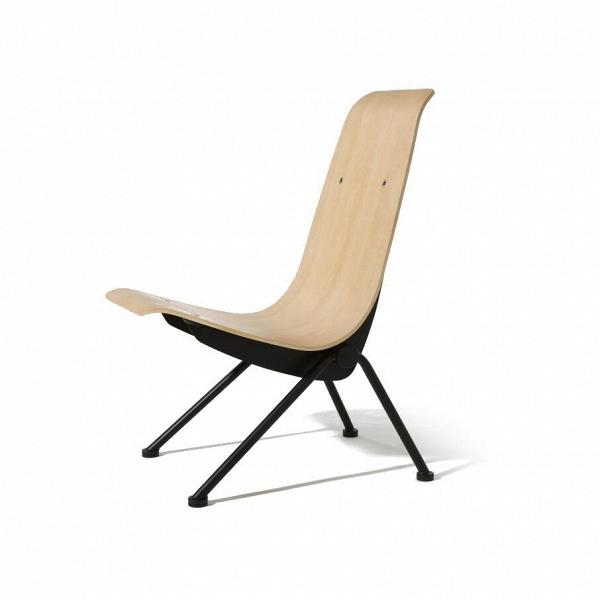 Кресло AntonyИнтерьерные<br>Дизайнерское оригинальное жесткое кресло Antony (Энтони) из фанеры без подлокотников на металлических ножках от Cosmo (Космо).<br><br><br> Француз Жан Пруве, дизайнер-самоучка с мировым именем, увлекался авангардом и кузнечным делом, поэтому знал все секреты работы с металлом. Предвосхитив суперпопулярный стиль хай-тек, он экспериментировал с формой и конструкцией уже в тридцатые годы прошлого века и был одним из первых, кто стал делать мебель из листового металла. «Для меня нет разницы между пр...<br><br>stock: 0<br>Высота: 88,5<br>Высота сиденья: 40,5<br>Ширина: 50,5<br>Глубина: 67<br>Цвет ножек: Черный<br>Материал каркаса: Фанера, шпон дуба<br>Тип материала каркаса: Фанера<br>Тип материала ножек: Сталь<br>Цвет каркаса: Белый дуб<br>Дизайнер: Jean ProuvГ©