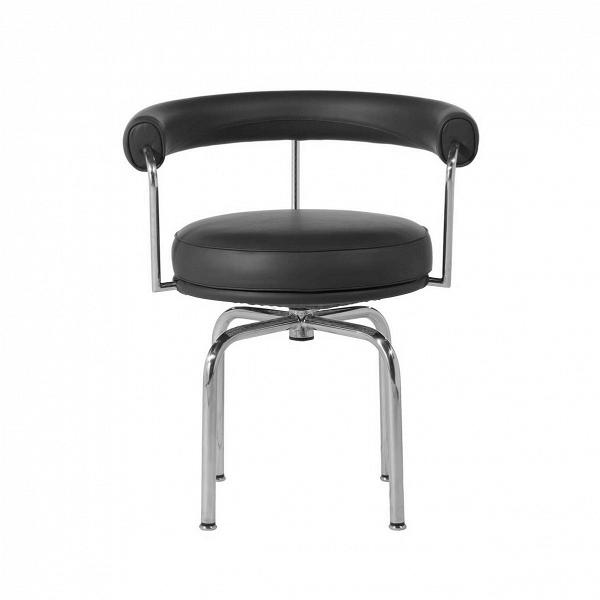Кресло LC7Интерьерные<br>Кресло LC7 – это результат творческой фантазии французского архитектора и дизайнера Шарлотты Перьен. Работы Перьен носят характер ультрасовременного стиля. Они обладают свежим, непохожим на других дизайном, который прославил француженку на весь мир. Кресло LC7 – прекрасный тому пример.<br><br><br> Данная модель обладает необыкновенно интересной формой, заключенной в союз роскошных материалов. Дугообразная спинка и круглое, «дутое» сиденье выполнены из натуральной кожи стильного черного цвета. Ко...<br><br>stock: 0<br>Высота: 73<br>Высота сиденья: 51,5<br>Ширина: 61<br>Глубина: 53<br>Тип материала каркаса: Сталь нержавеющя<br>Коллекция ткани: Standart Leather<br>Тип материала обивки: Кожа<br>Цвет обивки: Черный<br>Цвет каркаса: Хром<br>Дизайнер: Le Corbusier