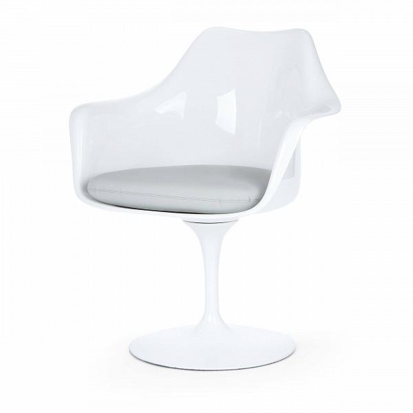 Cтул Tulip с подлокотниками и мягкой подушкойИнтерьерные<br>Дизайнерский мягкий стул Tulip (Тулип) с подлокотниками и мягкой подушкой из стекловолокна на глянцевой ножке с кожаным сиденьем от Cosmo (Космо).<br><br>     Свои основные идеи финн Ээро Сааринен черпал вВаскетичном подходе кВдизайну, воплощая ихВвВнаиболее эффективных конструкционных решениях. «Решение любой дизайнерской задачи нужно искать вВследующей, более крупной вещи,В— утверждал Сааринен. — Если загвоздка вВстуле, мыВдолжны смотреть наВто, как ...<br><br>stock: 0<br>Высота: 80,5<br>Высота сиденья: 47<br>Ширина: 66<br>Глубина: 58<br>Цвет ножек: Белый матовый<br>Тип материала каркаса: Стекловолокно<br>Материал сидения: Кожа искусственная<br>Цвет сидения: Серый<br>Тип материала сидения: Полиуретан<br>Коллекция ткани: Premium Grade PU<br>Тип материала ножек: Алюминий<br>Цвет каркаса: Белый матовый<br>Дизайнер: Eero Saarinen