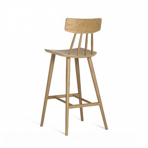 Барный стул SpindleБарные<br>Барный стул Spindle – это прекрасный выбор для кухни с деревянной мебелью или декором. Интеллектуальный дизайн этого изделия был придуман американским дизайнером Шоном Диксом. Его работы излучают особенную энергию. Они просты, обладают четкими линиями и формой, играют роль функционального и практичного элемента интерьера. Помимо прекрасных визуальных качеств, барный стул Spindle очень удобен – слегка вогнутое сиденье и жесткая спинка способствуют правильной осанке и комфортному отдыху.<br><br>...<br><br>stock: 0<br>Высота: 106<br>Высота сиденья: 75<br>Ширина: 50<br>Глубина: 49<br>Материал каркаса: Массив дуба<br>Тип материала каркаса: Дерево<br>Цвет каркаса: Белый дуб<br>Дизайнер: Sean Dix