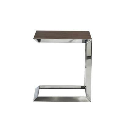 Кофейный стол Bevel высота 50Кофейные столики<br>Кофейный стол Bevel высота 50 – это прекрасная комбинация роскоши благородной породы дерева и современного дизайна. Творение американского дизайнера Шона Дикса грамотно впитало в себя черты сразу нескольких современных стилей, что не мешает ему выглядеть очень элегантно и гармонично. Шон Дикс сделал этот стол функциональным и удобным в использовании, что важно для домашнего интерьера, ведь именно дома мы хотим получить максимум комфорта и отдохнуть в красивой и уютной обстановке.<br><br><br> Коф...<br><br>stock: 0<br>Высота: 50<br>Ширина: 45<br>Длина: 45<br>Цвет ножек: Хром<br>Цвет столешницы: Темно-коричневый<br>Материал столешницы: МДФ, шпон ореха<br>Тип материала столешницы: МДФ<br>Тип материала ножек: Сталь нержавеющая<br>Дизайнер: Sean Dix