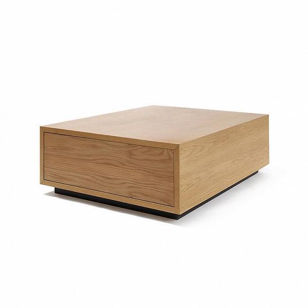 Кофейный стол MatchboxКофейные столики<br>Оригинальный дизайн этого стола привлекает своей простотой и красивой геометрической формой. Изделие спроектировал известный американский дизайнер Шон Дикс, чьи работы славятся потрясающим сочетанием красоты, лаконичности и практичности. Кофейный стол Matchbox можно уверенно отнести к лучшим произведениям скандинавского стиля.<br><br><br> Matchbox изготовлен из качественного материала МДФ. Он пользуется популярностью среди дизайнеров мебели за счет своей плотной и прочной структуры. Сверху изд...<br><br>stock: 0<br>Высота: 35<br>Ширина: 100<br>Длина: 80<br>Материал каркаса: МДФ, шпон дуба<br>Тип материала каркаса: МДФ<br>Цвет каркаса: Коричневый<br>Дизайнер: Sean Dix