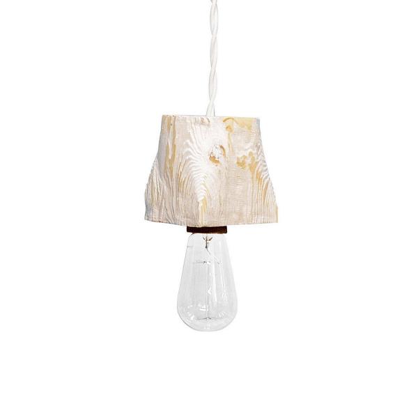Подвесной светильник Querk 1Подвесные<br><br><br>stock: 0<br>Высота: 10<br>Ширина: 10<br>Длина: 10<br>Длина провода: 130<br>Количество ламп: 1<br>Материал абажура: Сосна<br>Мощность лампы: 40<br>Ламп в комплекте: Нет<br>Напряжение: 230<br>Тип лампы/цоколь: E27<br>Тип производства: Ручное производство<br>Цвет абажура: Белый<br>Цвет провода: Белый