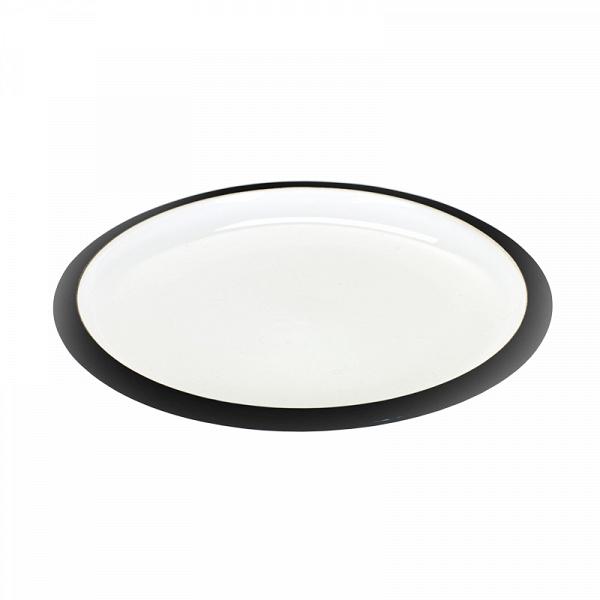 тарелка LOVATT (B6015125)Посуда<br>Артикул: B6015125. Тарелка среднего размера LOVATT из костяного фарфора демонстрирует безупречный стиль. Ничего лишнего: глянцевая поверхность цвета слоновой кости, окаймленная матовой черной полосой. Подайте на ней свой кулинарный шедевр! Тарелка предназначена для вторых или десертных блюд. Комбинируется с компаньоном большего размера. Дизайн: Serax, Бельгия.<br><br>stock: 56<br>Высота: 2<br>Материал: фарфор костяной<br>Цвет: Черный<br>Размер: None<br>Диаметр: 20<br>Страна происхождения: Бельгия