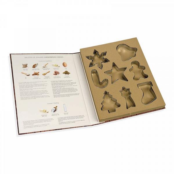Набор для печенья COOKIE, сет 8 шт, подарочная упаковка-книжка (CC66177)Посуда<br>Артикул: CC66177. Книжка с формочками для новогоднего печенья - оригинальный подарок к предстоящим праздникам! Яркая обложка объясняет заголовком FOR COOKIE LOVERS (для любителей печенья) содержимое, а иллюстрация подсказывает, как можно оформить получившуюся выпечку. Благодаря нержавеющей стали, из которой выполнены формочки, они прослужат долго. Дизайн: Испания.<br><br>stock: 10<br>Высота: 29<br>Ширина: 2<br>Материал: нержавеющая сталь, картон<br>Размер: 29 x 2 x 23<br>Длина: 23