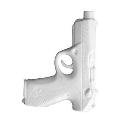 Ваза Bloomingville в форме пистолетаВазы<br><br><br>stock: 0<br>Высота: 16.6<br>Ширина: 12.3<br>Глубина: 3.3<br>Материал: Керамика<br>Цвет: Белый