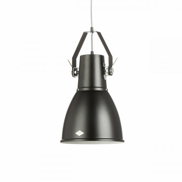 Подвесной светильник StirrupПодвесные<br>Подвесной светильник Stirrup — это лампа, вдохновением для создания которой послужил маленький прожектор вВкузове игрушечного грузовика. Эта идея легла вВоснову создания коллекции StirrupВ— совершеннейшего шика индустриального дизайна.<br><br><br><br><br><br> Подвесной светильник Stirrup может быть легко интегрирован к многим интерьерным решениям.<br><br>stock: 2<br>Высота: 46<br>Диаметр: 26<br>Длина провода: 150<br>Материал абажура: Алюминий<br>Мощность лампы: 100<br>Ламп в комплекте: Нет<br>Тип лампы/цоколь: E27<br>Цвет абажура: Черный матовый