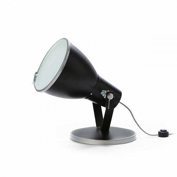 Напольный светильник Stirrup UplighterНапольные<br>Напольный светильник Stirrup Uplighter — это лампа, вдохновением для создания которой послужил маленький прожектор вВкузове игрушечного грузовика. Эта идея легла вВоснову создания коллекции StirrupВ— совершеннейшего шика индустриального дизайна.<br><br><br><br><br><br> Напольный светильник Stirrup Uplighter может быть легко интегрирован коВмногим интерьерным решениям.<br><br>stock: 0<br>Высота: 55<br>Диаметр: 30<br>Материал абажура: Алюминий<br>Мощность лампы: 100<br>Ламп в комплекте: Нет<br>Тип лампы/цоколь: E27<br>Цвет абажура: Черный