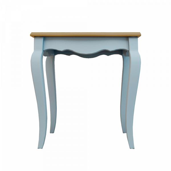 Консоль Leontina большая голубого цветаКонсоли<br>Консоль из серии Leontina создана французскимидизайнерами. Изделие выполнено из натурального дерева в эклектичной стилистике, объединившей традиции французского Прованса и элементы модерна. Общее впечатление от модели — легкость и изящество. Обеспечен этот эффект бежево-коричневой гаммой и фигурными контурами этого предмета мебели.<br><br>stock: 1<br>Материал: Массив березы,Массив ясеня<br>Цвет: Голубой<br>Размер: Маленькие<br>Цвет столешницы: Орех<br>Назначение: Для цветов<br>Форма: Квадратные<br>Стиль: Прованс<br>Особенности: Столешница - ясень<br>Опора: На ножках<br>Ножки: с гнутыми ножками<br>Глубина, см: 48<br>Высота, см: 60<br>Ширина, см: 56