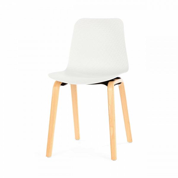 Стул DollyИнтерьерные<br>Оригинальный дизайн стула Dolly — это прекрасное нестандартное решение для современного интерьера. Мягко изгибающаяся форма стула удобна для длительного отдыха, она позволит расслабить спину, но при этом будет поддерживать правильную осанку. Стул может послужить и нескучным украшением комнаты благодаря интересному рельефу и игре света на поверхности сиденья и спинки.<br><br><br> Стул Dolly представляет собой гармоничное сочетание натурального дерева и ультрасовременного синтетического материала...<br><br>stock: 11<br>Высота: 80<br>Высота сиденья: 45<br>Ширина: 45<br>Глубина: 47<br>Цвет ножек: Светло-коричневый<br>Материал ножек: Массив бука<br>Цвет сидения: Белый<br>Тип материала сидения: Полипропилен<br>Тип материала ножек: Дерево