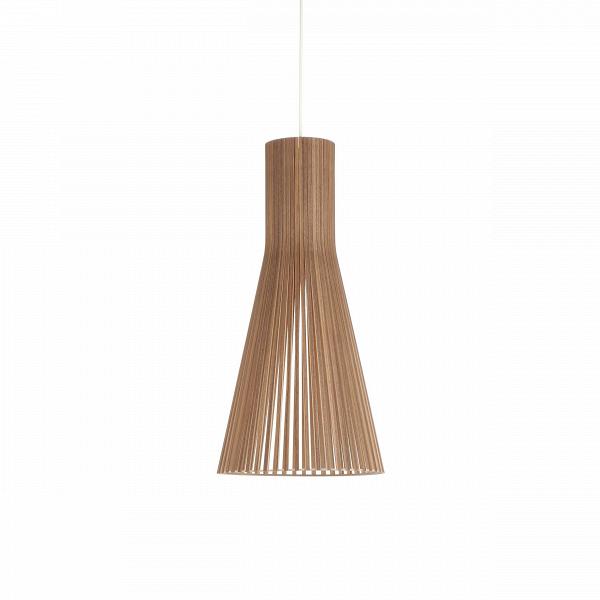 Подвесной светильник Secto 4200Подвесные<br>Компания Secto Design является финским производителем дизайнерских светильников изВдерева, обретающих всемирную известность. Изготавливаемые вручную высококвалифицированными специалистами изВнатуральной древесины березы, они наделены простотой иВчеткостью скандинавского стиля. Торшеры, подвесные светильники иВнастенные бра, аВтакже настольные лампы обеспечивают мягкое свечение иВпридают атмосферность любому помещению.<br><br><br> Подвесной светильник Secto 4200 при...<br><br>stock: 0<br>Высота: 60<br>Диаметр: 30<br>Количество ламп: 1<br>Материал арматуры: Орех шпон<br>Мощность лампы: 40<br>Ламп в комплекте: Нет<br>Напряжение: 220<br>Теплота света: 3000<br>Тип лампы/цоколь: E27<br>Цвет арматуры: Натуральный<br>Дизайнер: Seppo Koho