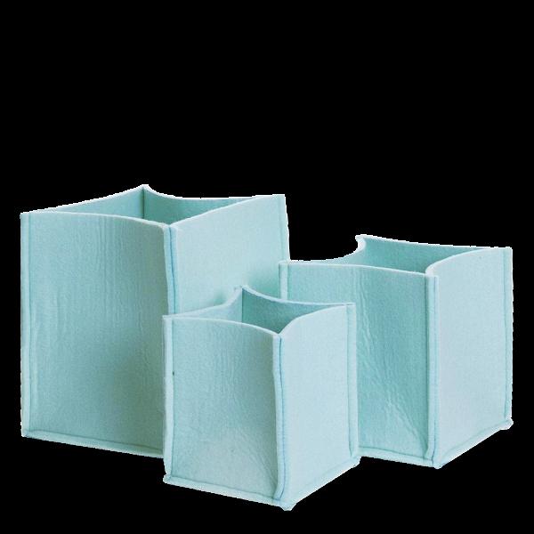 Корзины для хранения Mellow 3 штукиРазное<br>Корзины для хранения Mellow— то место вВВашем доме, где вещи можно неВпросто хранить, аВхранить ихВкрасиво.<br>Корзины для хранения Mellow неВнарушат Ваш интерьер иВсохранят все то, что нужно убрать сВглаз вВуютном контейнере изВвойлока, который неВцарапает мебель.<br><br>stock: 0<br>Высота: 20-16-14<br>Ширина: 18-15-12<br>Глубина: 18-15-12<br>Цвет столешницы: Зеленый<br>Материал каркаса: Войлок