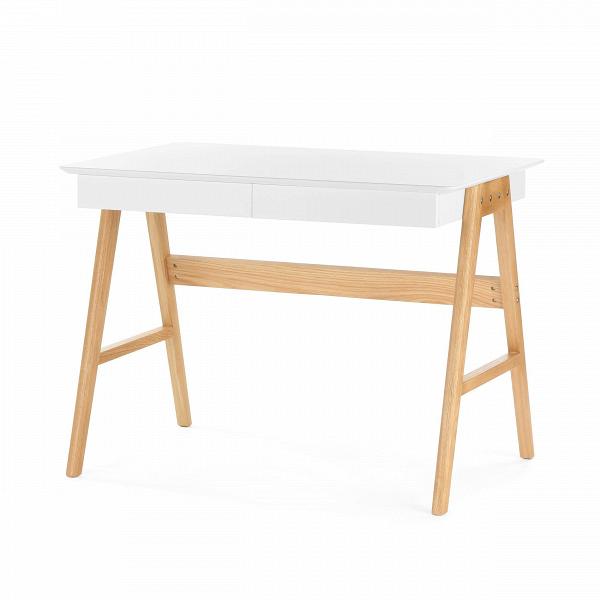 Письменный стол OrientРабочие столы<br>Дизайнерский письменный стол Orient (Орьент) со столешницей из МДФ на деревянных ножках от Cosmo (Космо).Классическая мебель в стиле скандинавского эко отличается практичностью и небольшим количество деталей. Она изготовлена из натуральных материалов, что является особой характерной чертой. Природный характер мебели благоприятен не только для здоровья человека, но и для состояния окружающей среды.<br> <br> Оригинальный письменный стол Orient — это удобная рабочая поверхность, которая покрыта каче...<br><br>stock: 47<br>Высота: 75<br>Ширина: 76<br>Длина: 100<br>Цвет ножек: Светло-коричневый<br>Цвет столешницы: Белый<br>Материал ножек: Массив дуба<br>Тип материала столешницы: МДФ<br>Тип материала ножек: Дерево