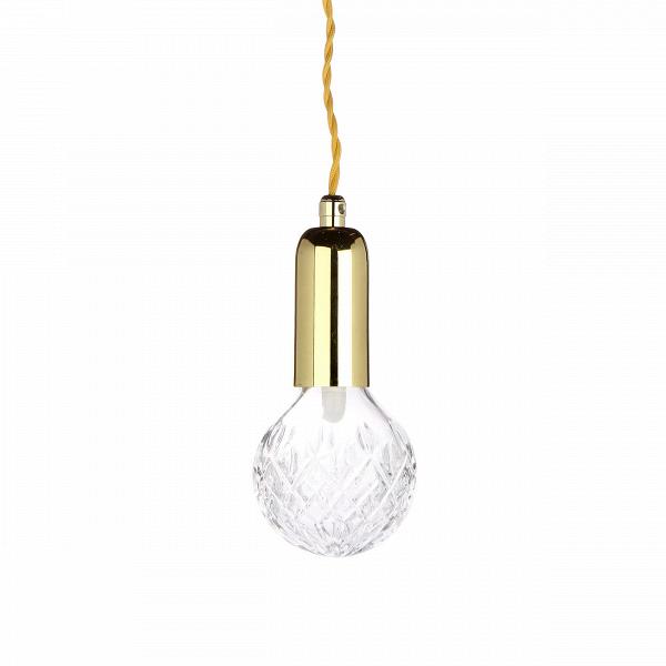 Подвесной светильник Crystal BulbПодвесные<br>Подвесной светильник Crystal Bulb — это дизайнерский продукт, который станет ключом к вашему будущему модному интерьеру. Искрящаяся на свету резная поверхность лампы создает необычный эффект — отбрасываемые световые лучи создают красивый геометрический узор. С таким светильником вы гарантированно создадите чарующую атмосферу роскоши и особого таинства.В <br><br>Очень романтичный, женственный и нежный, он создан, чтобы покорить сердца мечтательных натур, которые не утратили ве...<br><br>stock: 0<br>Высота: 150<br>Диаметр: 9<br>Материал абажура: Стекло<br>Материал арматуры: Металл<br>Мощность лампы: 2<br>Ламп в комплекте: Да<br>Тип лампы/цоколь: G9+Е27<br>Цвет абажура: Прозрачный<br>Цвет арматуры: Золотой