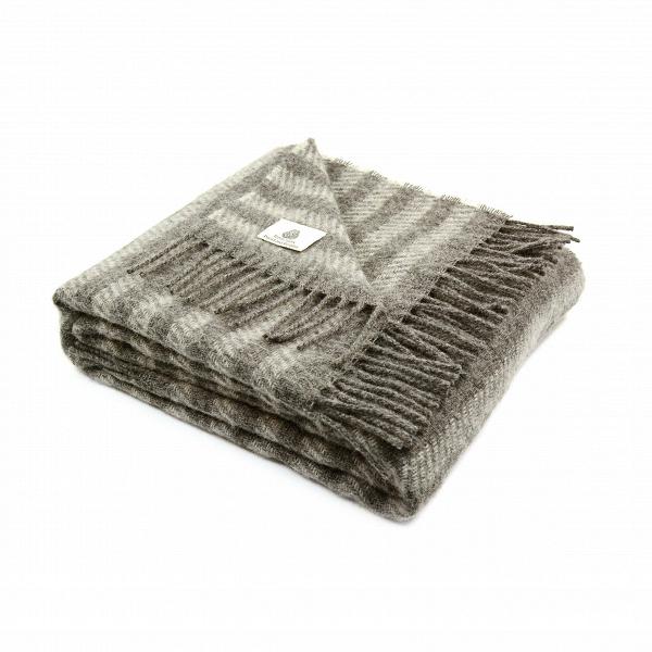 Плед LillerodРазное<br>Итальянская компания Marzotto, которая специализируется на производстве текстильных изделий для всего мира, создает необыкновенно мягкие и уютные пледы для всей семьи. Плед Lillerod имеет приятную на ощупь фактуру и выполнен в спокойном сером цвете. Дизайн изделия очень прост — горизонтальные полоски на светлом фоне.<br><br><br> Плед Lillerod ткется из высококачественной овечьей шерсти. В составе нет примесей других материалов. Овечья шерсть отлично сохраняет тепло, обладает хорошей воздухопрон...<br><br>stock: 0<br>Ширина: 130<br>Материал: Шерсть<br>Цвет: Серый<br>Длина: 180