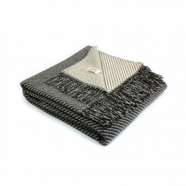 Плед Inca BlendРазное<br>Плед Inca Blend обладает универсальным, спокойным дизайном, который способен легко и гармонично влиться практически в любой интерьер. Изделие создано итальянской компанией Marzotto, которая сконцентрирована на производстве красивейшего домашнего текстиля высокого качества.<br><br><br> Все изделия этой фирмы создаются из лучшего сырья. Эта модель пледа ткется из шерсти и хлопка. Это очень хорошее сочетание для такого покрывала — в нем не будет жарко или душно, но в то же время оно согреет в холо...<br><br>stock: 0<br>Ширина: 130<br>Материал: Хлопок, Шерсть<br>Цвет: Тёмно-серый<br>Длина: 180