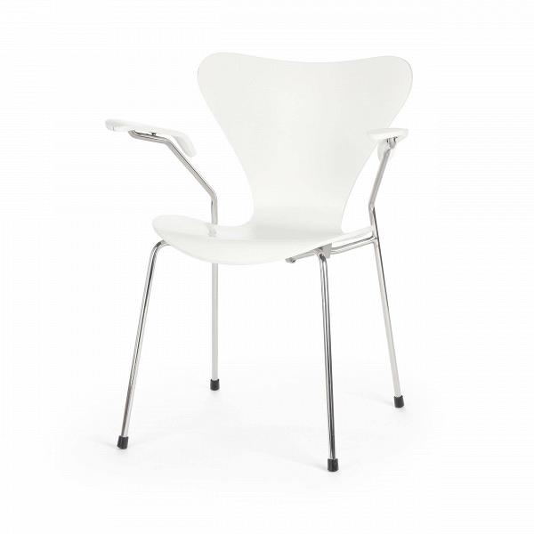 Стул S7 c подлокотникамиИнтерьерные<br>Дизайнерский легкий яркий стул S7 (С7) c подлокотниками на металлическом каркасе с деревянными сиденьем и спинкой от Cosmo (Космо).<br><br>     Эта фантазия на тему знаменитого стула «Муравей» гения датского минимализма Арне Якобсена, который он довел доВсовершенства в своей «Серии 7» 1955 года, придется поВвкусу всем: дети оценят необычную форму стула, а взрослые — лаконичный дизайн и функциональность.<br><br><br>     Выглядит он просто: четыре ножки из стали и каркас из натурального дерева,...<br><br>stock: 0<br>Высота: 75,5<br>Высота сиденья: 42<br>Ширина: 60<br>Глубина: 55,5<br>Цвет ножек: Хром<br>Материал сидения: Массив березы<br>Цвет сидения: Белый<br>Тип материала сидения: Дерево<br>Тип материала ножек: Сталь нержавеющая<br>Дизайнер: Arne Jacobsen