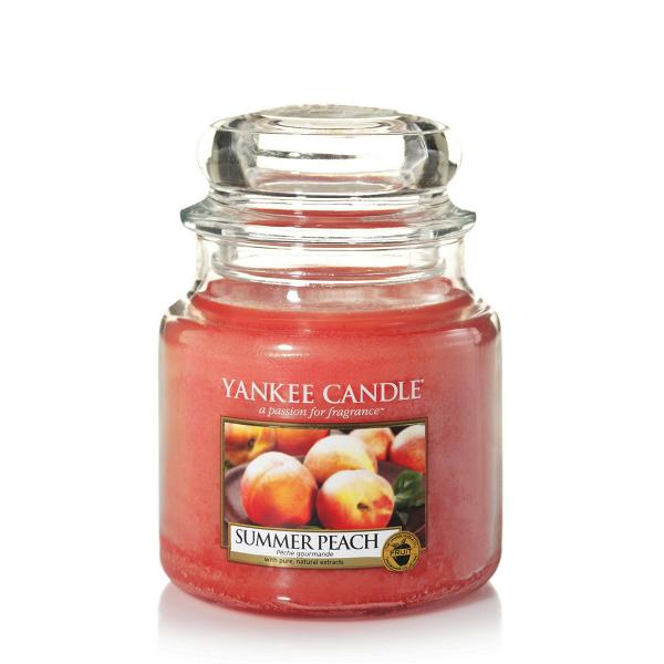 Свеча средняя в стеклянной банке Summer PeachПодсвечники и свечи<br>Свеча средняя в стеклянной банке Summer Peach — это ароматы зрелых персиков, согретых солнцем, прямо из сада, так и хочется откусить!<br> <br> Сделано в США.<br> Время горения 65–90 часов.<br>Вес 411 г<br><br>stock: 0<br>Высота: 12.7<br>Цвет: Оранжевый<br>Диаметр: 10.7