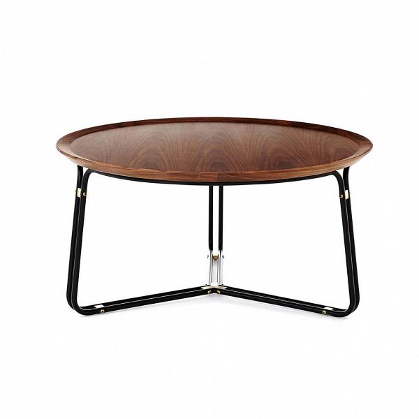 Кофейный стол QTКофейные столики<br>В оформлении этой модели австралийский дизайнер Ник Грэм из компании Stellar Works уделил большое внимание как современным тенденциям, так и ретростилю. Кофейный стол QT обладает отлично продуманным дизайном, где каждая деталь имеет свое значение.<br><br><br> Опорная конструкция стола – это невероятно устойчивая система, усиленная двойными ножками и многочисленными креплениями. Столешница изготавливается из ореха, одной из наиболее прочных и красивых пород дерева.<br><br><br> Кофейный стол QT имеет ...<br><br>stock: 0<br>Высота: 45<br>Диаметр: 90<br>Цвет ножек: Черный, Латунь<br>Цвет столешницы: Орех<br>Тип материала столешницы: Дерево<br>Тип материала ножек: Сталь