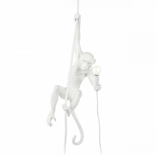 Подвесной светильник MonkeyПодвесные<br>Хорошо подобранный декор способен поднимать настроение и заряжать помещение позитивной энергией. Именно в таком духе сделан подвесной светильник Monkey. Дизайнеры придали ему «двусторонний» характер: в некоторых культурах эти очаровательные животные воспринимаются как символ озорства и беспечности, в других их считают символом смышлености и стремления к роскоши.<br><br><br> Обезьянка выглядит очень динамичной, изделие великолепно впишется в современный интерьер. Главным образом, это достигаетс...<br><br>stock: 5<br>Высота: 76,5<br>Ширина: 27<br>Длина: 30<br>Материал абажура: Смола<br>Цвет абажура: Белый<br>Цвет провода: Белый
