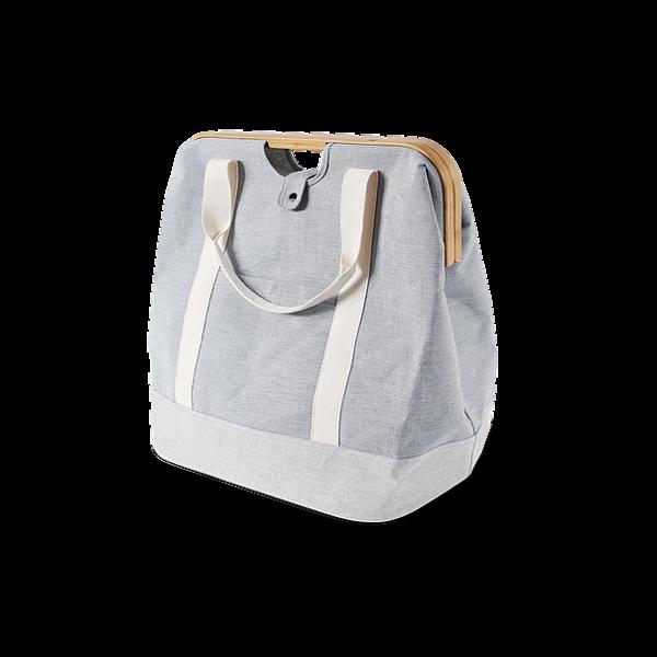 Сумка UrokiРазное<br>Сумка Uroki – это простая и удобная сумка для вашей одежды или белья. В ней можно отнести белье в прачечную и не бояться, что что-то растеряется по дороге – сумка необычайно вместительная, но при этом весит очень мало. Ее дизайн особенно придется по вкусу тем, кто ценит аккуратность и красоту, изделие прекрасно будет сочетаться с повседневной одеждой.<br><br><br> Изделие обладает большими размерами и совсем небольшим весом; это достигается за счет специально подобранных материалов, из которых е...<br><br>stock: 25<br>Высота: 50<br>Ширина: 53.4<br>Глубина: 33<br>Материал: Ткань<br>Цвет: Серый<br>Состав основы: Хлопок, Полиэстер<br>Материал дополнительный: Бамбук<br>Цвет дополнительный: Коричневый