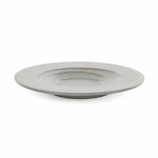 Блюдо для суши Isamu диаметр 16,5Посуда<br>Коллекция Isamu представляет собой прекрасный набор посуды для суши и различных соусов – мечта для истинных ценителей восточной культуры и кулинарного искусства. Изделия отличаются минималистичностью и утонченным стилем, их дизайн призван подчеркнуть и правильно преподнести приготовленное блюдо.<br><br><br> Дизайнеры коллекции выбрали для ее создания природный, экологически чистый материал – глину. Изделия из этого материала всегда источают тепло и уют и создают особую положительную атмосферу в...<br><br>stock: 228<br>Высота: 2<br>Материал: Глина<br>Цвет: Серый<br>Диаметр: 16,5