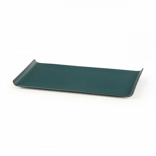 Тарелка Isamu прямоугольнаяПосуда<br>Коллекция Isamu представляет собой прекрасный набор посуды для суши и различных соусов – мечта для истинных ценителей восточной культуры и кулинарного искусства. Изделия отличаются минималистичностью и утонченным стилем, их дизайн призван подчеркнуть и правильно преподнести приготовленное блюдо.<br><br><br> Дизайнеры коллекции выбрали для ее создания природный, экологически чистый материал – глину. Изделия из этого материала всегда источают тепло и уют и создают особую положительную атмосферу в...<br><br>stock: 36<br>Высота: 17,5<br>Ширина: 31,5<br>Материал: Глина<br>Цвет: Синий