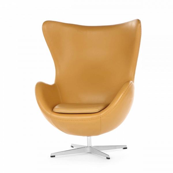 Кресло EggИнтерьерные<br>Дизайнерское комфортное кресло Egg (Эгг) в форме яйца на узкой ножке от Cosmo (Космо).<br><br><br> Кресло, своими очертаниями напоминающее яйцо, — одно из самых известных творений датского дизайнера Арне Якобсена. Вряд ли оно когда-нибудь выйдет из моды — уж слишком велик диапазон его интерьерных возможностей. Кроме того, обыгрывать данную форму помогают различные фактуры и цвета обивок.<br><br><br> Особенно приятно и солидно смотрится оригинальное кресло Egg в обивке из натуральной кожи, представлен...<br><br>stock: 0<br>Высота: 105,5<br>Высота сиденья: 41<br>Ширина: 87<br>Глубина: 82<br>Материал ножек: Алюминий<br>Материал обивки: Кожа стандарт<br>Цвет обивки: Бежевый<br>Дизайнер: Arne Jacobsen