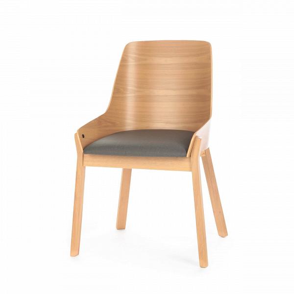 Стул Safia с мягким сиденьемИнтерьерные<br>Простой и элегантный стул Safia с мягким сиденьем идеально подходит для офисных помещений или для домашнего кабинета. Он выполнен в деловом стиле и обладает строгой цветовой палитрой. Модель особенно привлекательна своей высокой спинкой и мягким сиденьем, эта конструкция поможет снять напряжение и сохранит здоровую осанку.<br><br><br> Изделие создается из надежных, практичных материалов. Такая основа обеспечивает ему долгий срок службы даже при постоянном использовании в различных заведениях о...<br><br>stock: 100<br>Высота: 86<br>Ширина: 57,5<br>Глубина: 57<br>Цвет ножек: Клен<br>Цвет спинки: Клен<br>Материал ножек: Массив ясеня<br>Материал спинки: Фанера, шпон ясеня<br>Материал сидения: Полиэстер<br>Цвет сидения: Черный<br>Тип материала спинки: Фанера<br>Тип материала сидения: Ткань<br>Тип материала ножек: Дерево