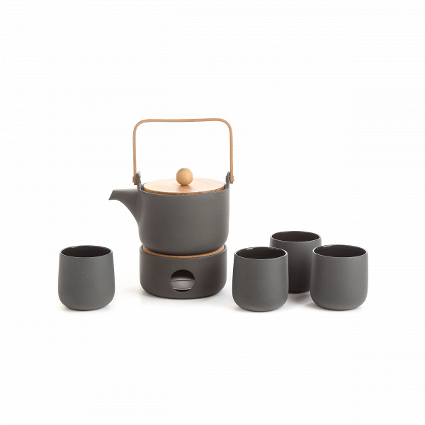 Чайный набор Colour BoxПосуда<br>Оригинальный чайный набор Colour Box – это коллекция из изысканных изделий, которые сочетают в себе черты Взападного и восточного стилей. Коллекция обладает необыкновенно привлекательным дизайном. Минималистичное исполнение и сдержанная цветовая гамма великолепно передают дух Востока – с таким набором любое чаепитие превратится в настоящую церемонию.<br><br><br> Colour Box изготавливается из высококачественной керамики – это популярный материал, которым украшают даже самые роскошные интерье...<br><br>stock: 100<br>Высота: 14,5<br>Ширина: 39<br>Материал: Керамика<br>Цвет: Черный