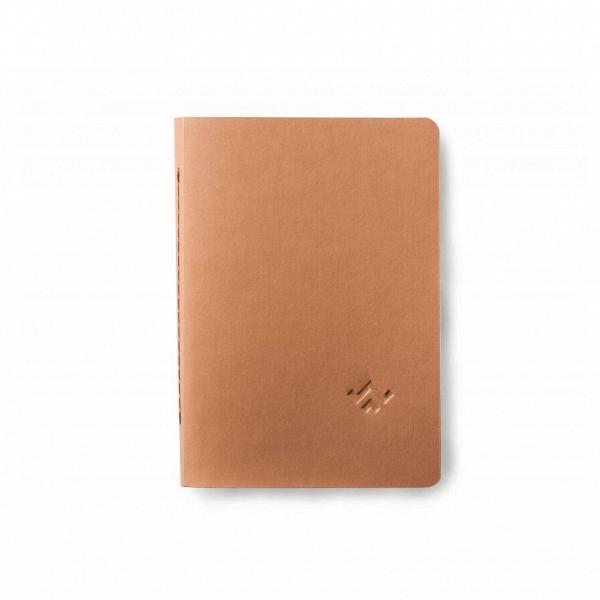 Блокнот Tone, рыжийРазное<br>Блокнот для ежедневных записей, деловых заметок или просто личный дневник – дизайнерский блокнот Tone, рыжий обладает большим потенциалом и универсальным назначением. Модель выполнена в стиле «ничего лишнего», его лаконичный дизайн способен отлично смотреться с любым стилем одежды и личных аксессуаров и будет уместен для использования на любом мероприятии или встрече.<br><br><br> Для создания этого ежедневника дизайнеры российской компании Long River используют самые высококачественные материалы...<br><br>stock: 0<br>Высота: 20<br>Ширина: 2<br>Цвет: Рыжий<br>Длина: 14