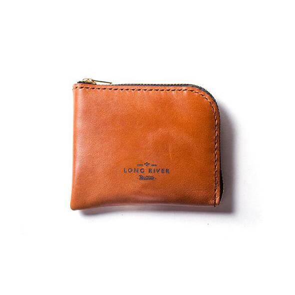 Кошелек Tongue, рыжийРазное<br>Дизайнерский кошелек Tongue (Тонг) отличается стильным классическим дизайном и очень небольшими размерами, изделие легко поместится в задний карман брюк или в маленькую дамскую сумочку. Модель разработана мастерами российской компании Long River, которая специализируется на производстве первоклассных аксессуаров на каждый день.<br><br><br> Кошелек функционален и надежен. Он целиком изготовлен из натуральной прочной кожи, благодаря чему имеет внушительный срок годности – изделие устойчиво к износ...<br><br>stock: 0<br>Высота: 9<br>Ширина: 1<br>Материал: Кожа<br>Цвет: Рыжий<br>Длина: 11