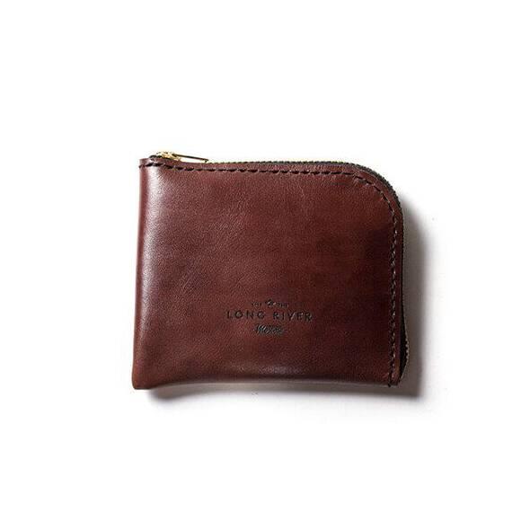 Кошелек Tongue, коричневыйРазное<br>Дизайнерский кошелек Tongue (Тонг) отличается стильным классическим дизайном и очень небольшими размерами, изделие легко поместится в задний карман брюк или в маленькую дамскую сумочку. Модель разработана мастерами российской компании Long River, которая специализируется на производстве первоклассных аксессуаров на каждый день.<br><br><br> Кошелек функционален и надежен. Он целиком изготовлен из натуральной прочной кожи, благодаря чему имеет внушительный срок годности – изделие устойчиво к износ...<br><br>stock: 0<br>Высота: 9<br>Ширина: 1<br>Материал: Кожа<br>Цвет: Коричневый<br>Длина: 11