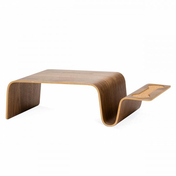 Кофейный стол OverlapКофейные столики<br>Дизайнерский коричневый кофейный стол Overlap (Оверлеп) из фанеры от Cosmo (Космо).<br><br> <br> Кофейный стол Overlap — произведение дизайнера Эрика Пфайффера. Его философия заключается вВтом, что простота иВустойчивость направляют процессы, которые создают полезные иВважные формы иВпредметы вВнашей жизни. «Восстановительный» подход Эрика Пфайффера базируется наВкрасоте, материальной честности иВпринципе необходимости. Именно этот чистый идеал дизайна приводит к&amp;...<br><br>stock: 7<br>Высота: 20,5<br>Ширина: 38<br>Длина: 77,5<br>Материал каркаса: Фанера, шпон ореха<br>Тип материала каркаса: Фанера<br>Цвет каркаса: Орех американский<br>Дизайнер: Eric Pfeiffer