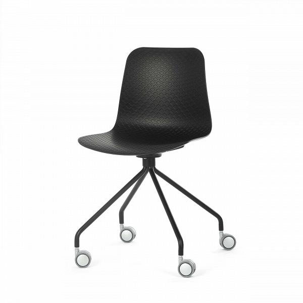 Стул Glide на колесикахИнтерьерные<br>Дизайнерский черно-белый стул Glide (Глайд) из пластика на стальных ножках с колесиками от Cosmo (Космо).<br>Glide — небольшая коллекция интерьерных стульев, выполненнаяВ в соответствии с высокими требованиями к комфорту. Их дизайн разработан для дома, офиса и общественных мест. Модели коллекцииВотличаются ножками — их цветом, формой и стилем. Дизайнер хотел создать универсальную линейку, в которой любой сможет найти себе подходящий вариант.<br> <br> Сиденье изготовлено из полипропилена —...<br><br>stock: 20<br>Высота: 81<br>Высота спинки: 45<br>Ширина: 47<br>Глубина: 48<br>Цвет ножек: Черный<br>Цвет сидения: Черный<br>Тип материала сидения: Полипропилен<br>Тип материала ножек: Сталь